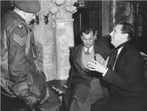 Carol Reed (right) with Bernard Lee and Joseph Cotten on the set of The Third Man