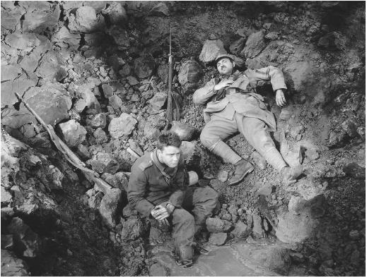 Lew Ayres (left) with Raymond Griffith in All Quiet on the Western Front