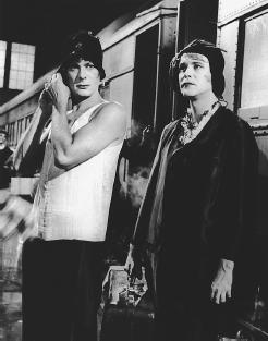 Tony Curtis (left) and Jack Lemmon in Some Like It Hot