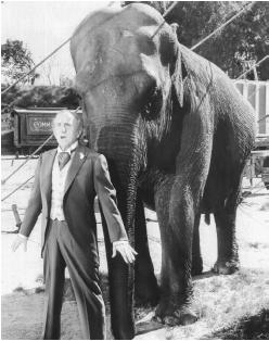 Jimmy Durante with Jumbo the elephant in Jumbo