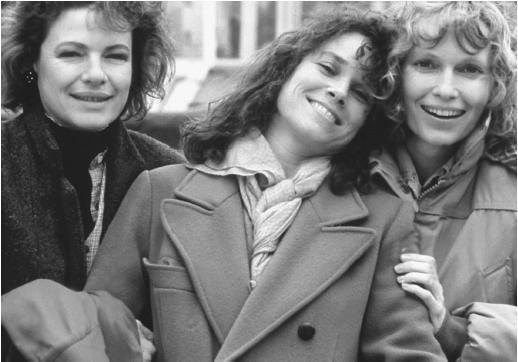 Barbara Hershey (center) with Dianne Wiest and Mia Farrow (right) in Hannah and Her Sisters