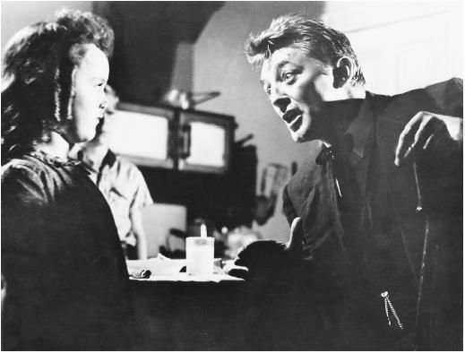 Robert Mitchum and Sally Jane Bruce in The Night of the Hunter