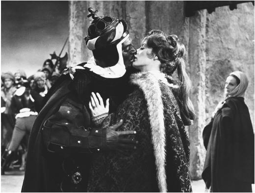 Maggie Smith (center), with Laurence Olivier and Joyce Redman, in Othello