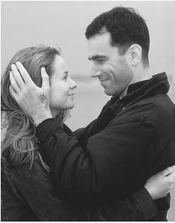 Emily Watson and Daniel Day-Lewis in The Boxer