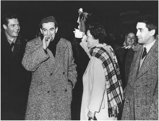 Franco Cristaldi (with cigarette) with Suso Cecchi D'Amice and Marcello Mastrioanni (left)
